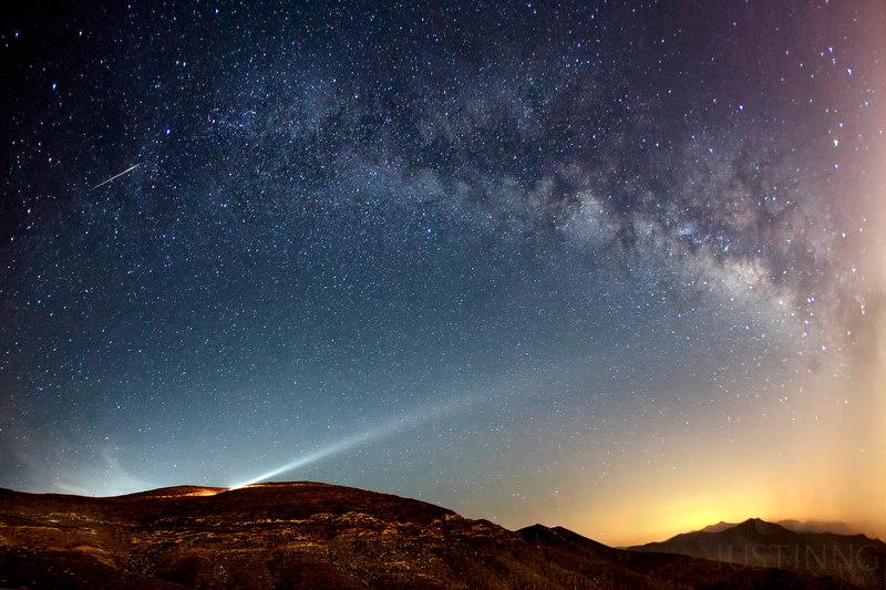 140524-Camelopardalids Meteor at Jebel Ai Jais Mountain