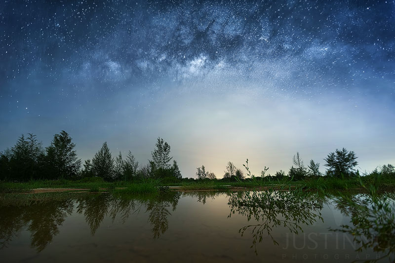 140625-Naked-Eye-Milky-Way-Reflection-in-Singapore