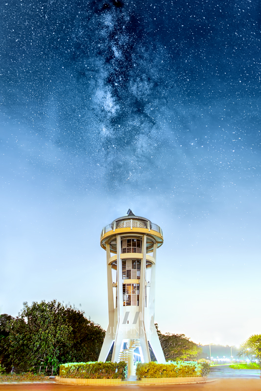 8 June 2014 - Rising Milky Way above Rocket Tower at Upper Seletar Reservoir Park