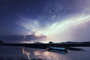 140628-Milky-Way-above-Lightnings-in-Mersing