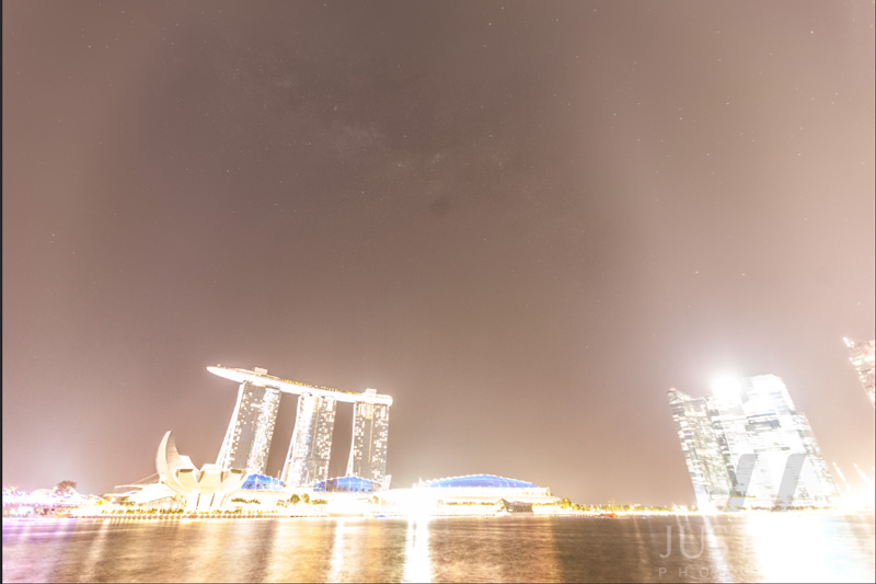 140721-The-Making-of-Rising-Milky-Way-above-MBS-and-Laser-Show-in-Singapore-6