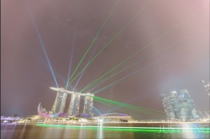 140721-The-Making-of-Rising-Milky-Way-above-MBS-and-Laser-Show-in-Singapore-7