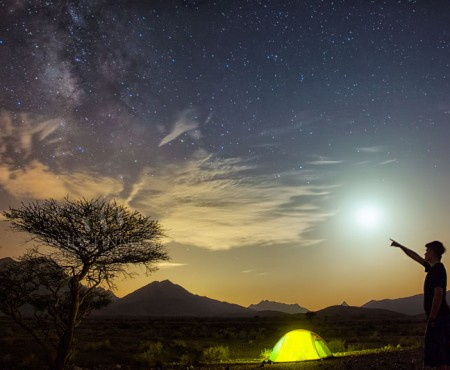 30 August 2014 – Moon, Mars, Saturn and the Milky Way Galaxy at Oman