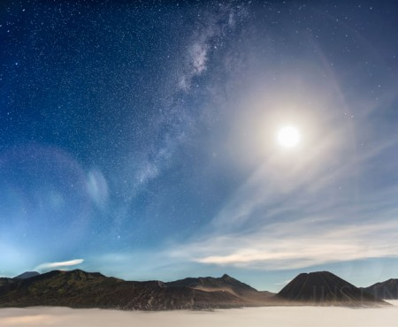 06 May 2015 – Milky Way against a bright moon at Mount Bromo during the peak of Eta Aquarid meteor shower