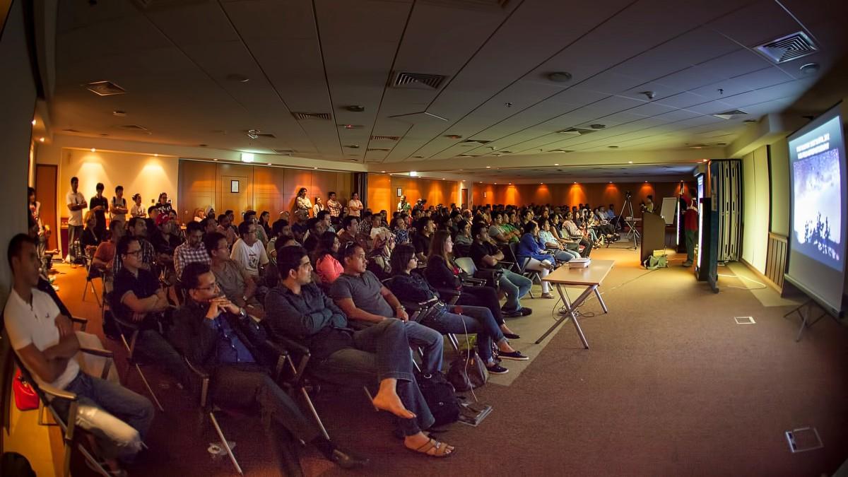 28 Aug 2014 - Astrophotography Talk in Dubai