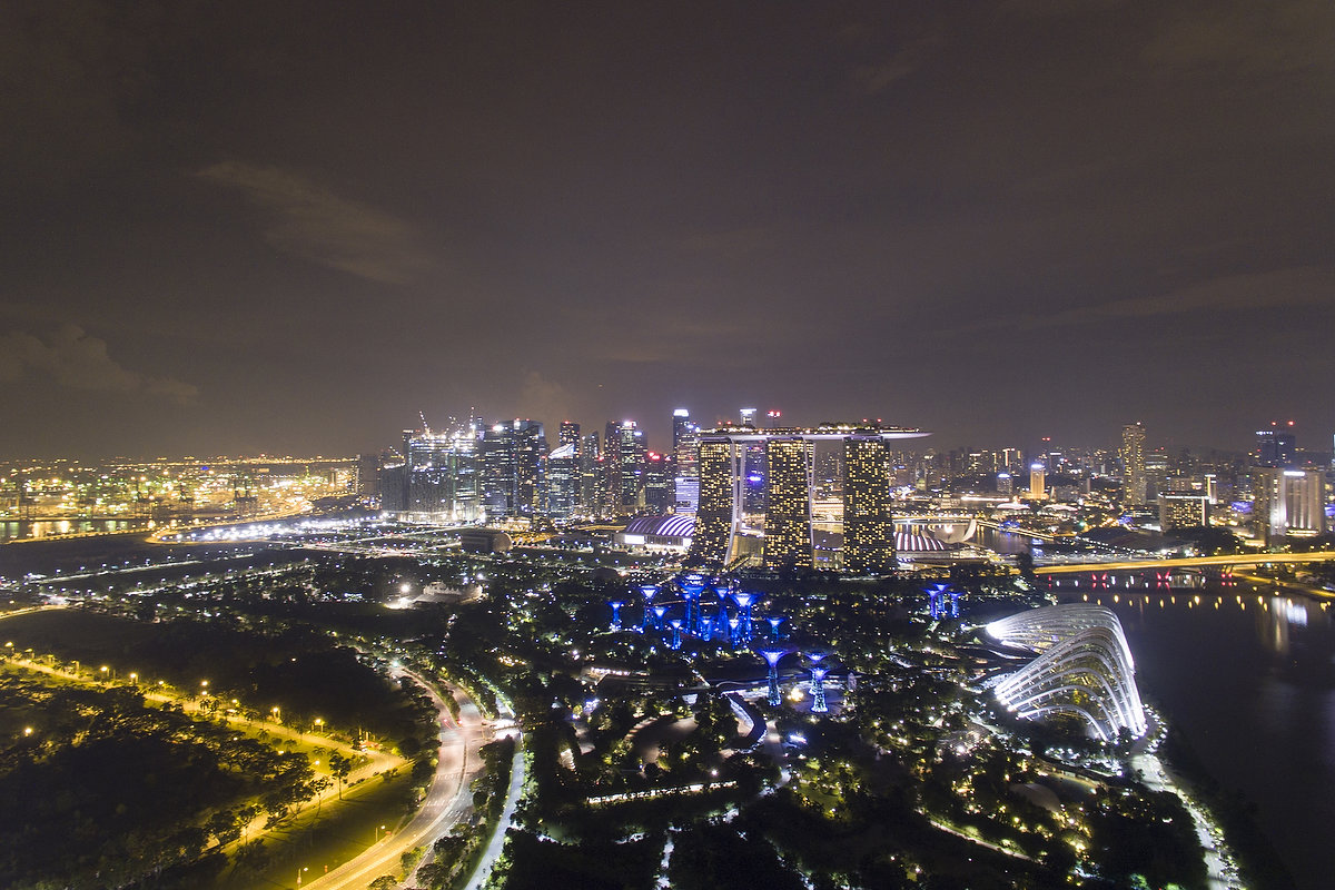 Timelapse of Marina Bay Sand and Gardens By The Bay