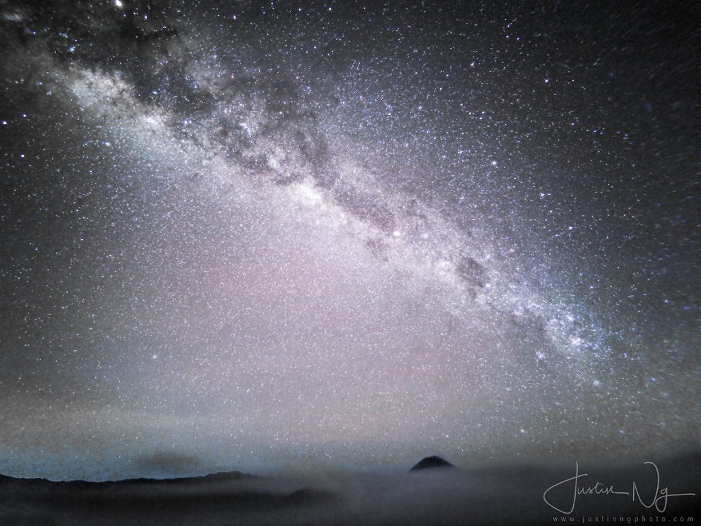 Milky Way above Mount Bromo with Huawei P30 Pro