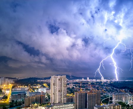 16 May 2019 – Lightning Shot with Huawei P30 Pro in Singapore