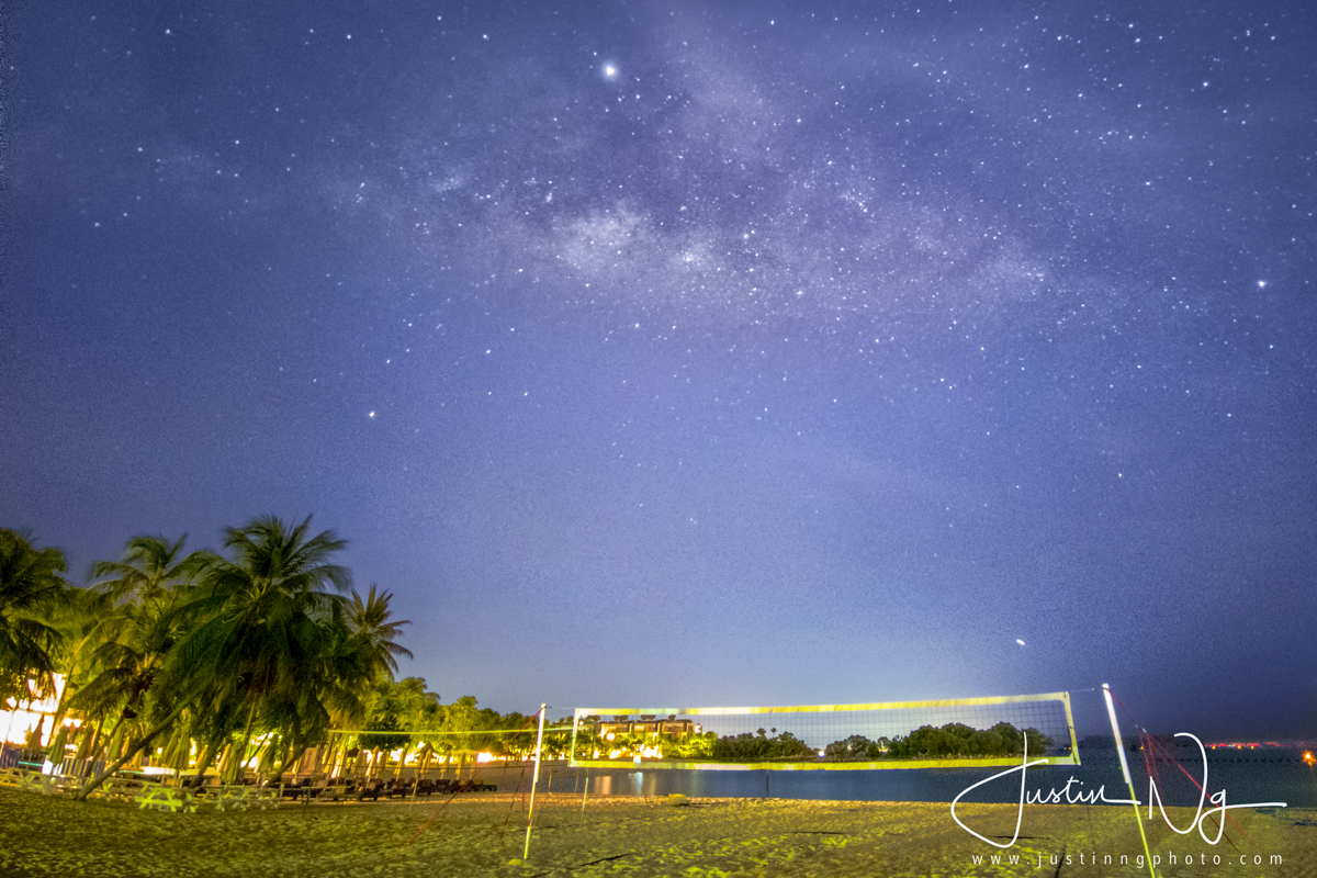 25 May 2019 - How I Photograph The Milky Way In The Light-Polluted Skies Of Singapore Handheld With Huawei P30 Pro