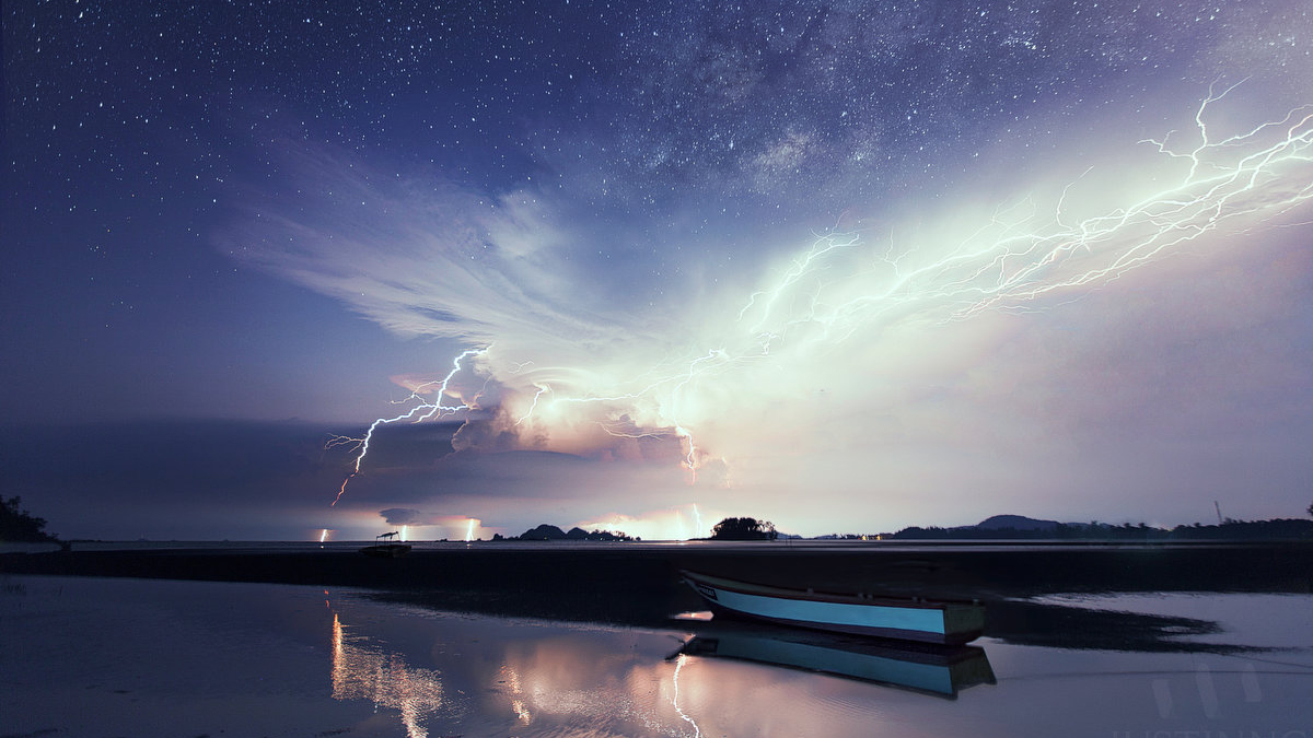 28 Jun 2014 - Milky Way above lightnings in Mersing