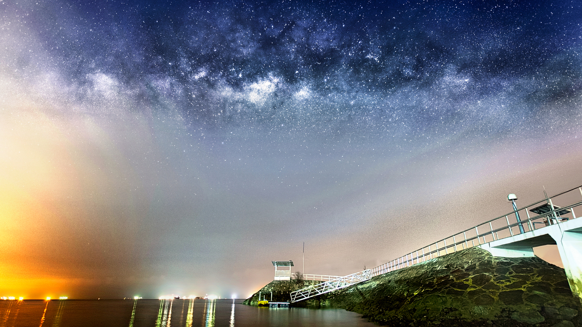 30 Mar 2014 - Rising Milky Way at East Coast Park in Singapore